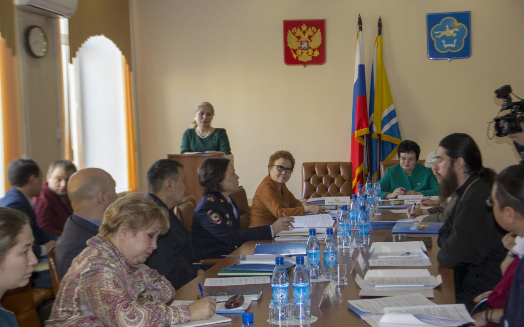 Агентство по делам национальностей отчиталось в Верховном Хурале Республики Тыва