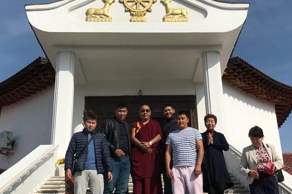 в Туву прибыл буддийский учитель Геше Лопсанг Фунтцок из Дрепунг Гоманг Дацана